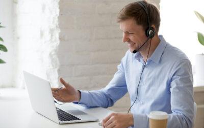 Videobellen over het internet op kantoor